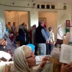 По субботним и воскресным дням богослужения продолжались и во время ремонта